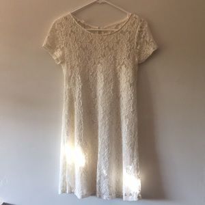 White /cream short sleeve lace dress